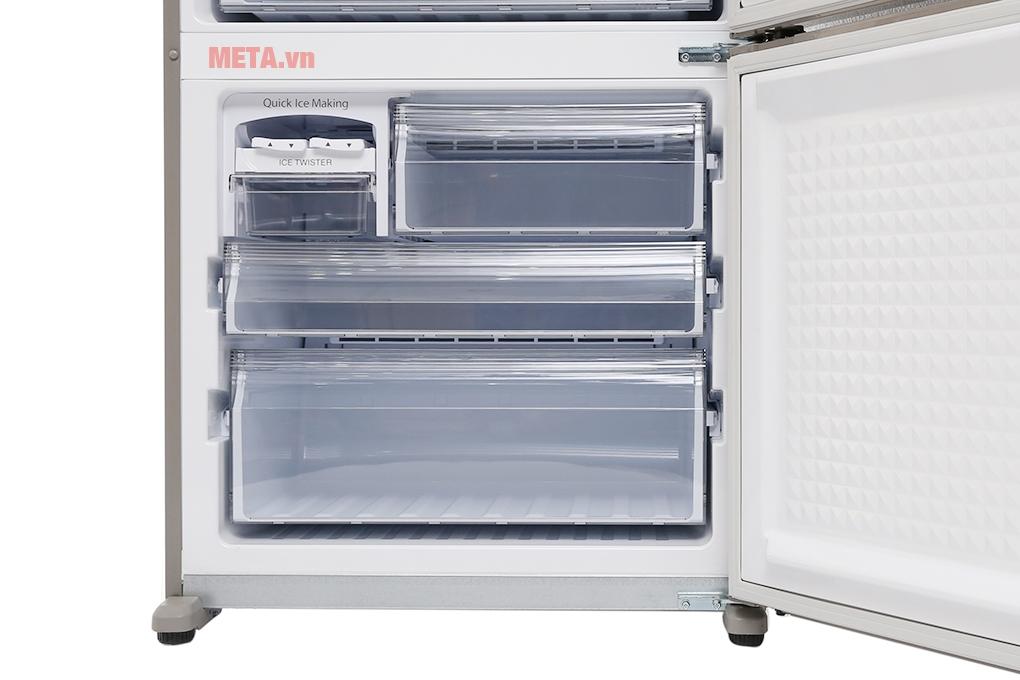 Tủ lạnh Panasonic 363 lít NR-BX418XSVN có dung tích ngăn đông 110 lít