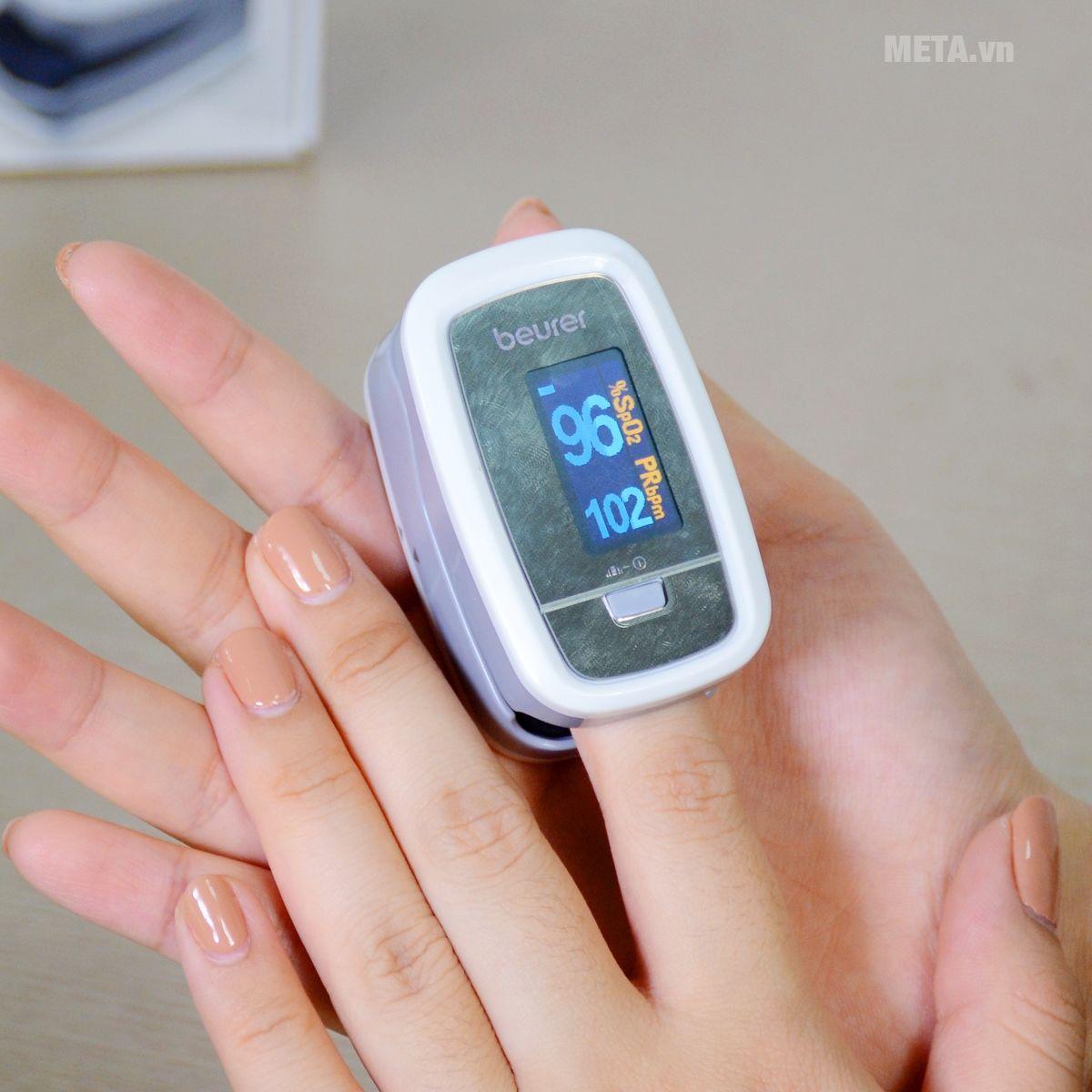 Hộp đựng máy đo nồng độ oxy