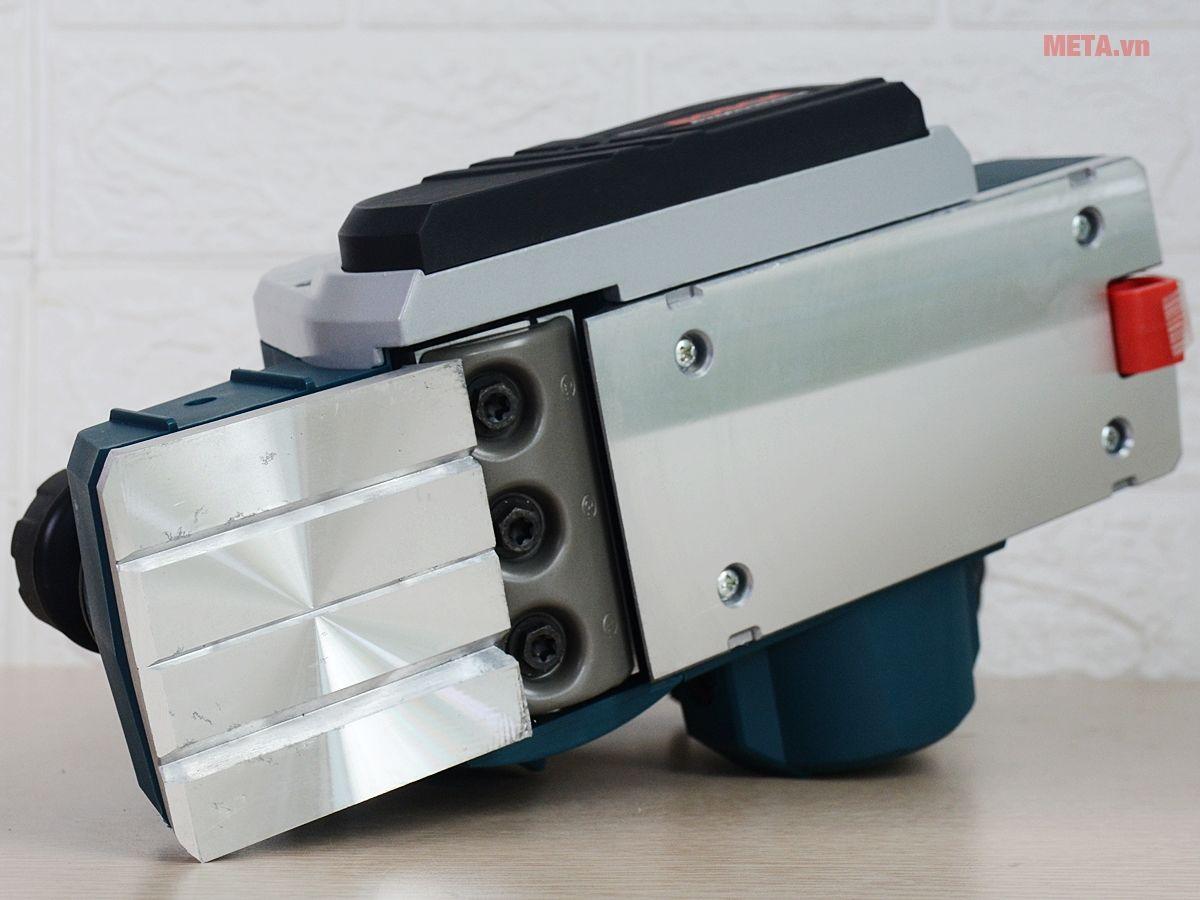 Máy bào Bosch