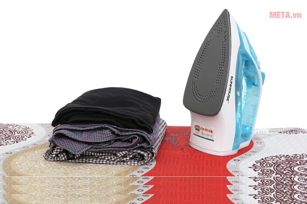 Ủi khô nhẹ nhàng, làm phẳng tốt hơn với chế độ ủi hơi nước