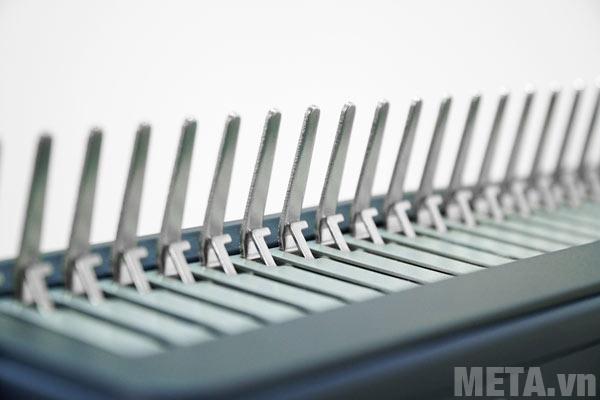 Máy đóng sách Silicon BM-CB200 có chức năng căn chỉnh lề