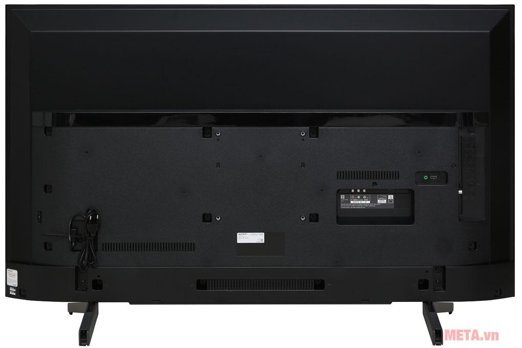 Mặt sau của tivi Sony Smart 4K KD-55X7000G