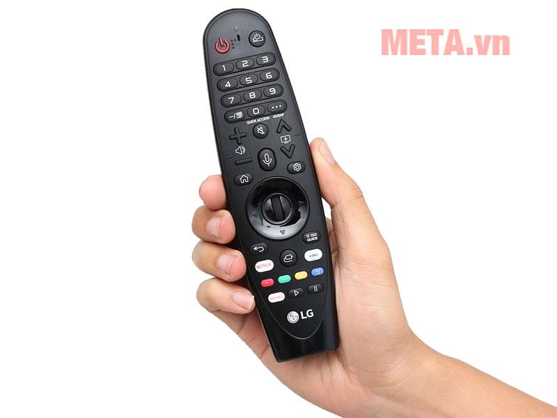 Remote thông minh tìm kiếm qua giọng nói