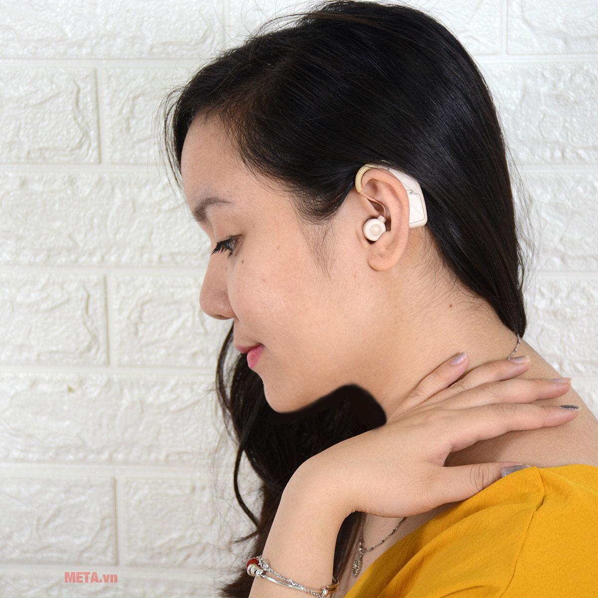 Máy trợ thính Mimitakara UP-64K thiết kế gài tai thuận tiện