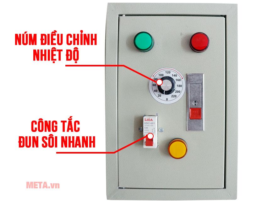 Bảng điều khiển điều chỉnh chức năng của nồi nấu cháo