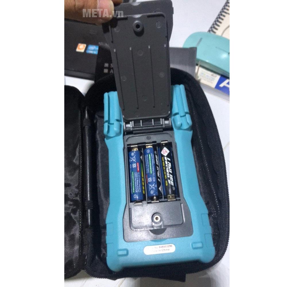 Đồng hồ vạn năng số Zoyi ZT-M0 sử dụng 3 pin AA