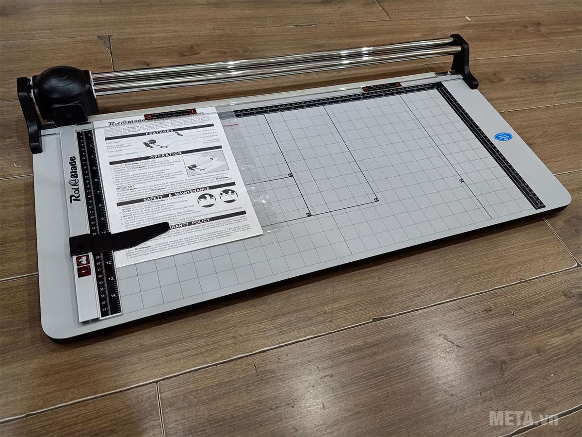Hình ảnh bàn cắt giấy Roll&Blade TM-680