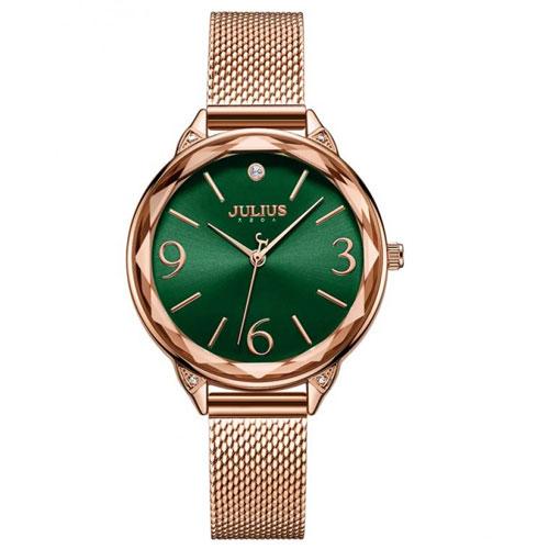 Đồng hồ nữ sử dụng mặt kính cường lực chịu được va đập thông thường