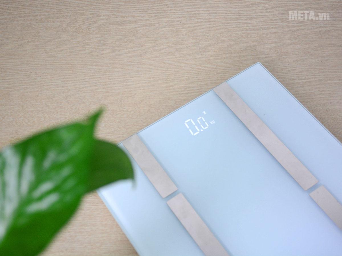 Màn hình LCD hiển thị rõ ràng chỉ số