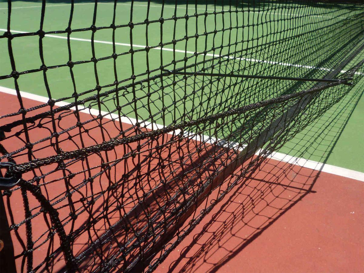 Lưới bắt bóng tennis sử dụng sợi dai bền chắc