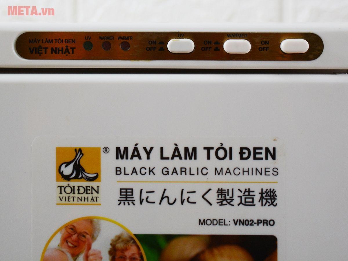Bảng điều khiển của máy làm tỏi đen