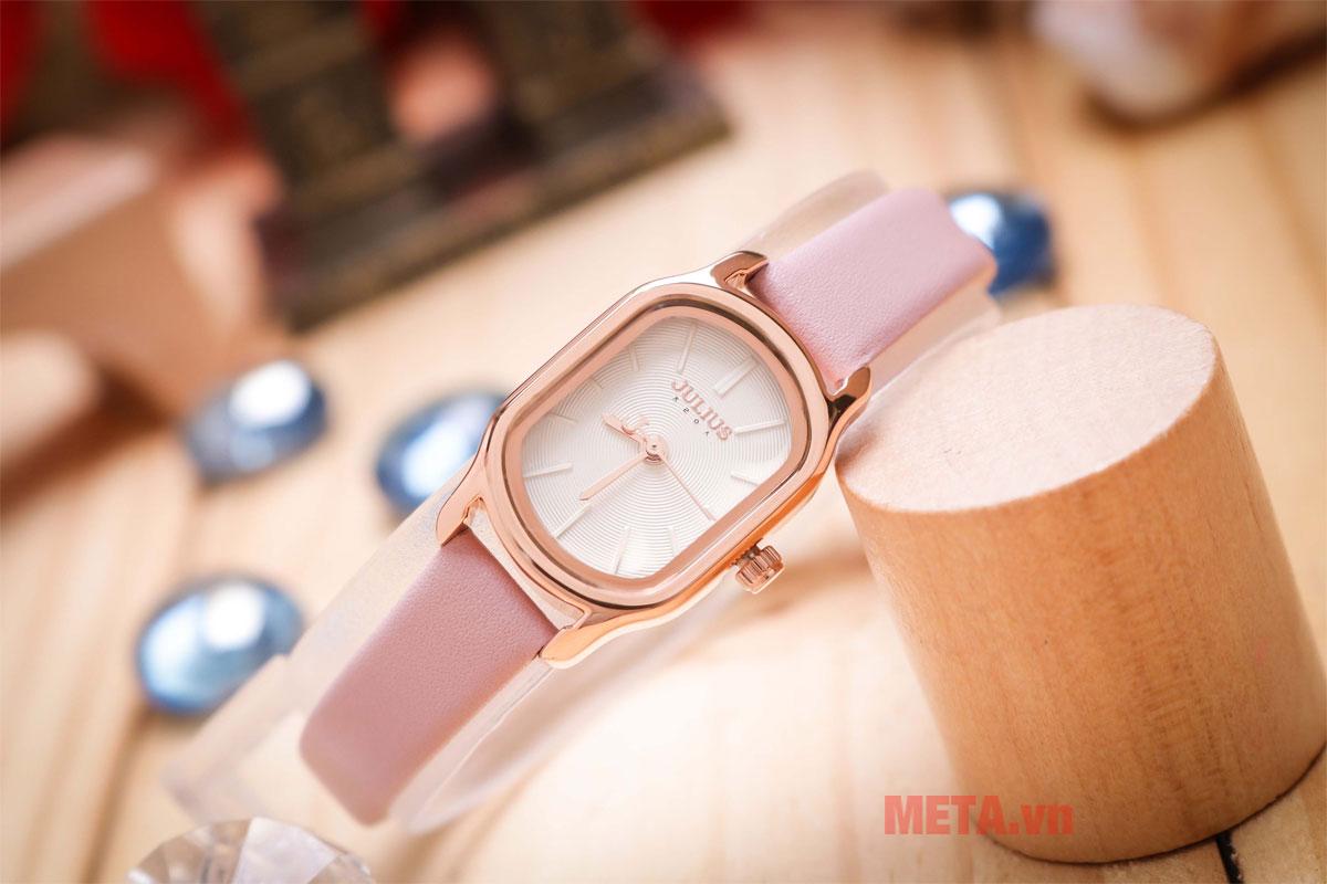 Đồng hồ nữ màu hồng