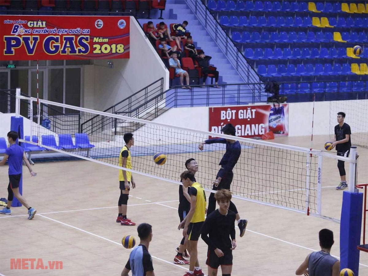 Trụ bóng chuyền dành cho thi đấu