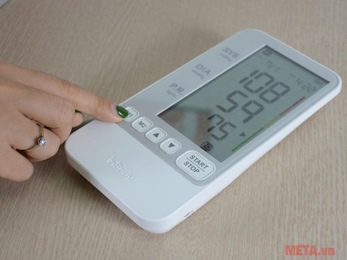Sử dụng máy đo huyết áp
