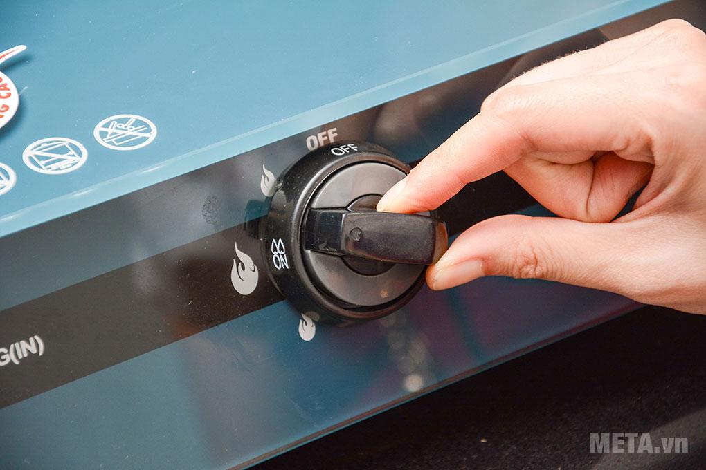 Núm vặn dễ dàng điều chỉnh mức nhiệt