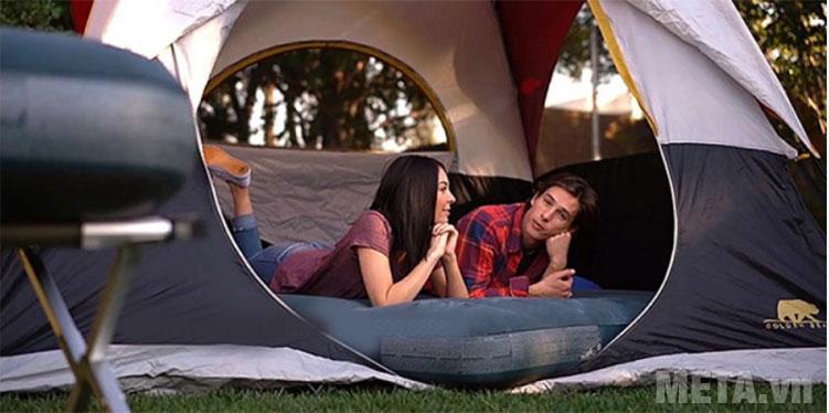Đệm hơi tiện lợi cho những chuyến cắm trại