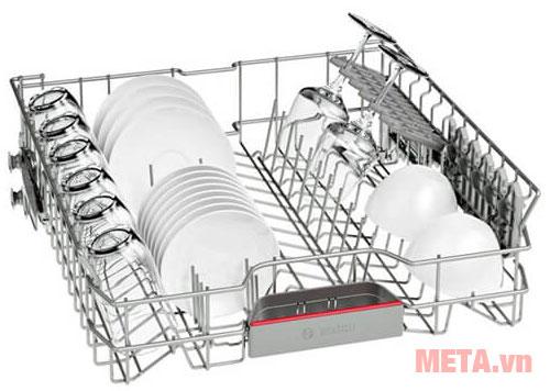 Hệ thống khay đựng tiện lợi giúp giảm diện tích trong khoang chứa bát đĩa