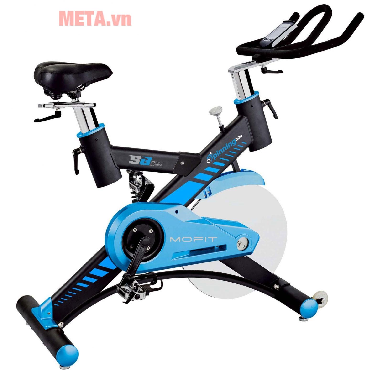 Xe đạp tập thể dục tại nhà hoặc phòng tập