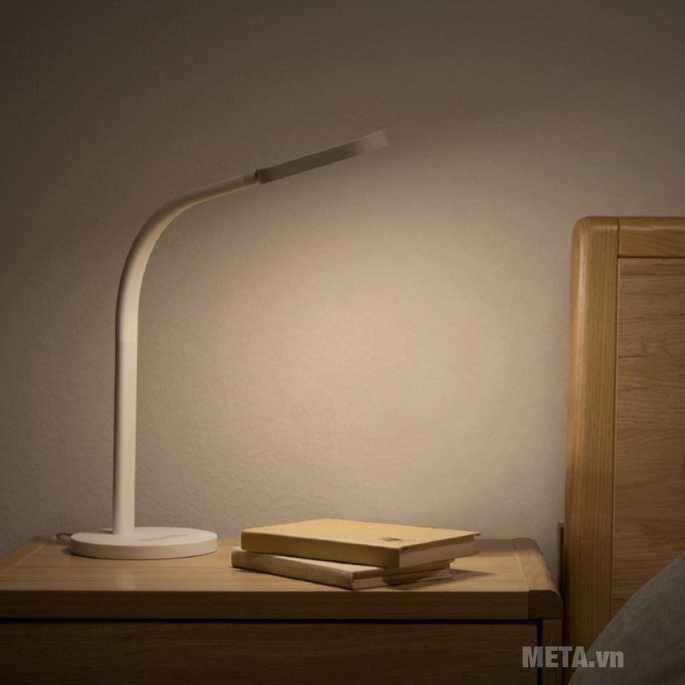 Đèn bàn đọc sách