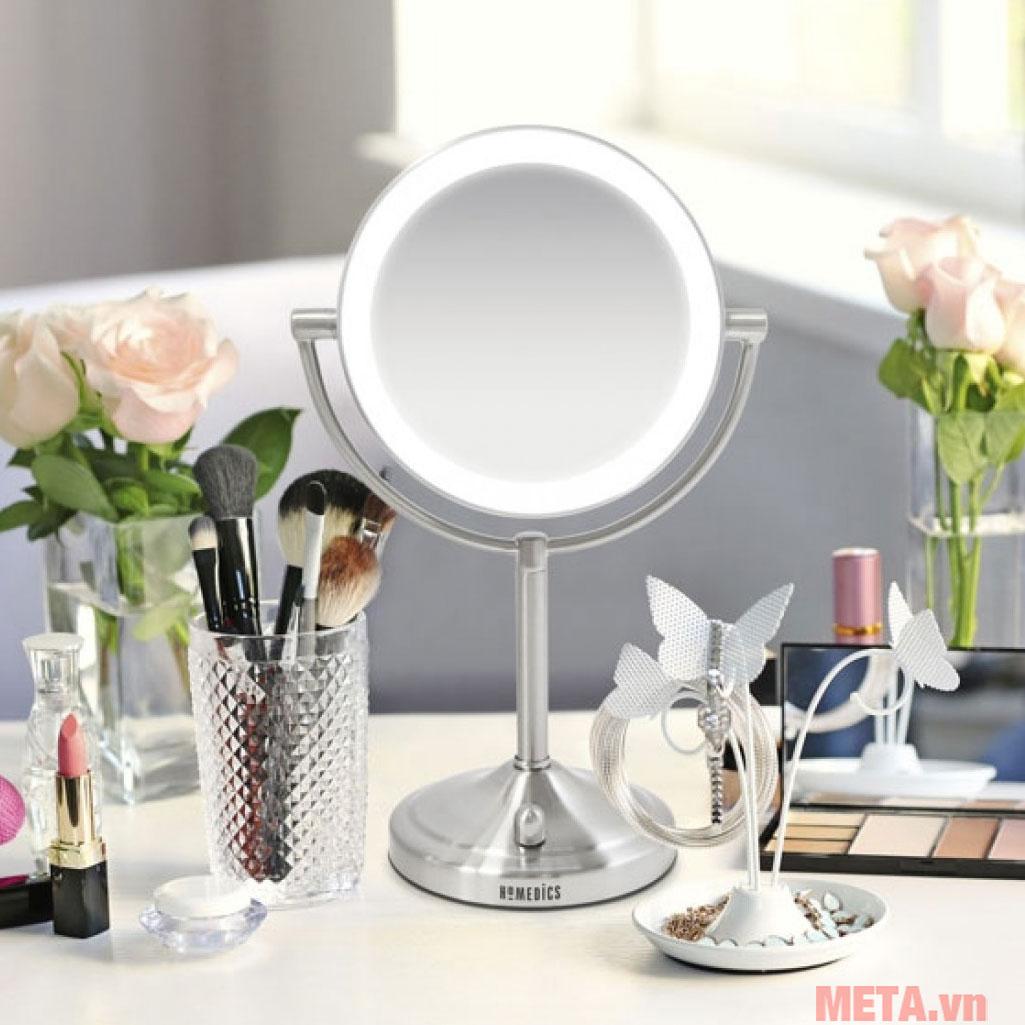 Gương trang điểm kèm đèn Led