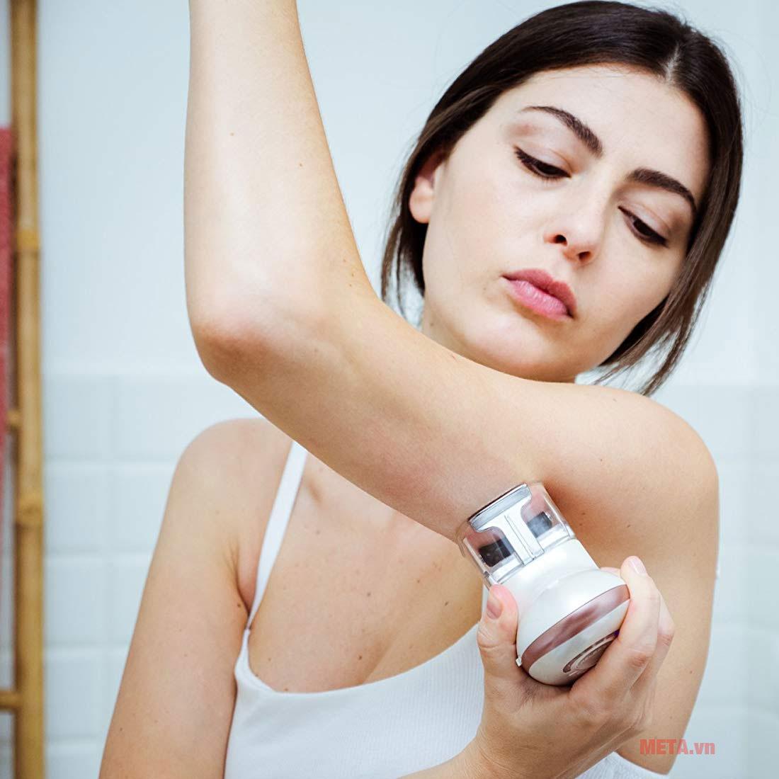 Máy massage cao cấp HoMedics CELL-500-EU có 2 chế độ massage và 5 cấp độ EMS