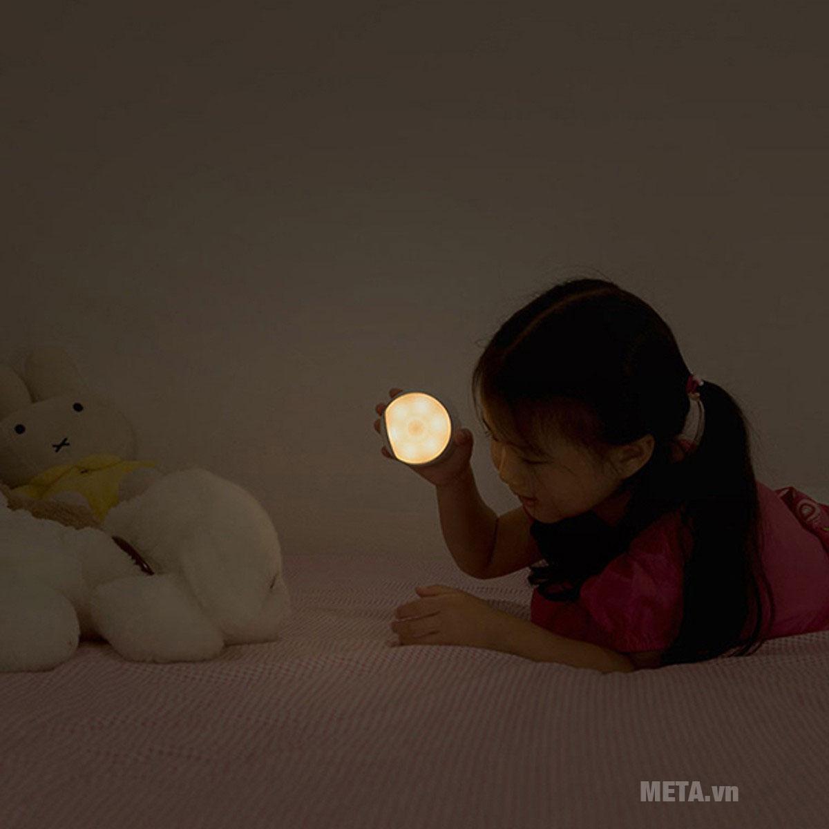 Đèn cảm ứng ban đêm Xiaomi Yeelight Rechargeable Night Light cho ánh sáng dịu nhẹ