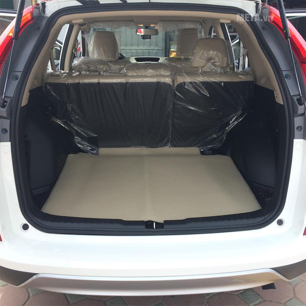 Thảm màu da lắp trên xe ô tô