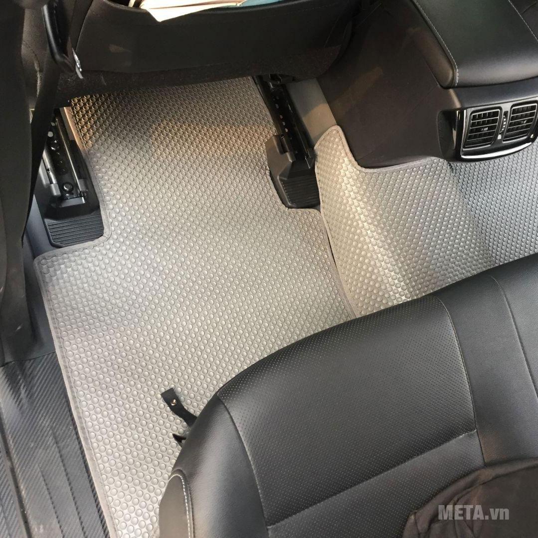 Thảm lót sàn màu ghi