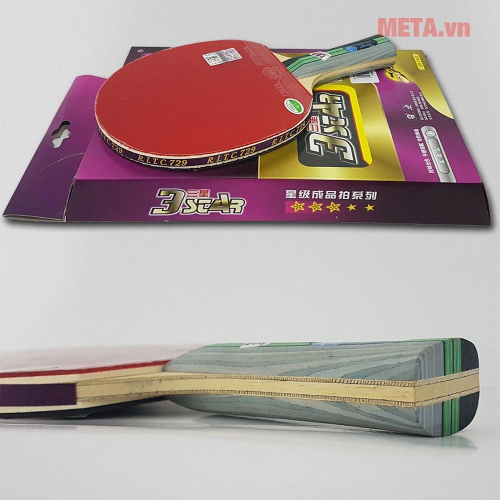 Cốt vợt chắc chắn, nhiều lớp tăng khả năng đánh bóng