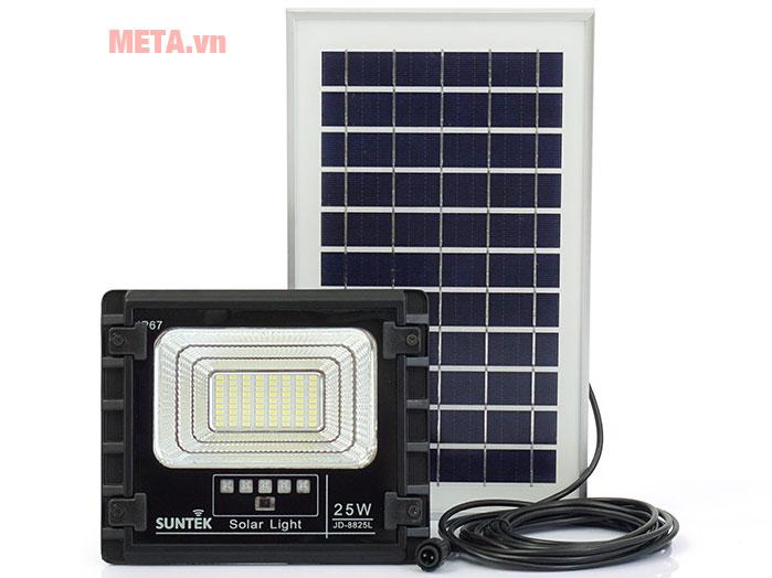 Hình ảnh đèn led năng lượng mặt trời chiếu pha