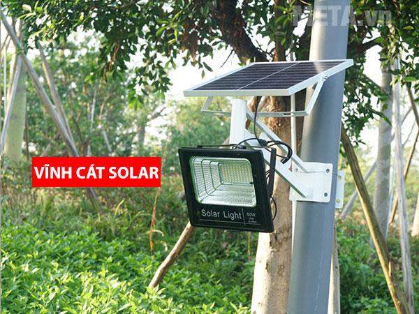 Hình ảnh thực tế đèn năng lượng mặt trời 200W VC-8200