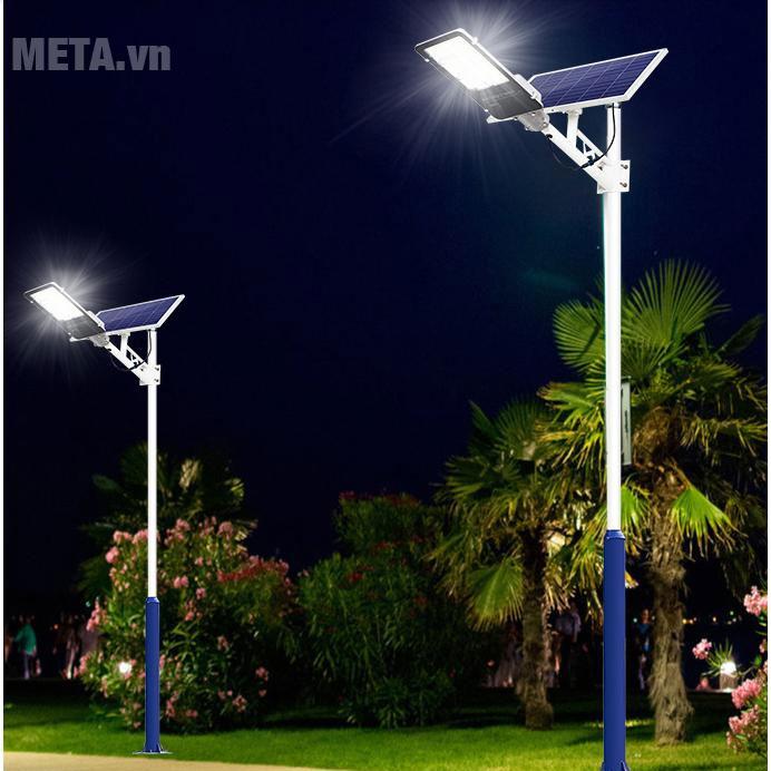 Đèn đường năng lượng mặt trời 78300DDPR chiếu sáng liên tục 8 - 12 giờ/ngày