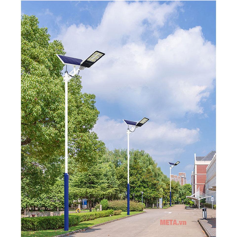 Đèn đường năng lượng mặt trời 78300DDPR không tốn chi phí tiền điện