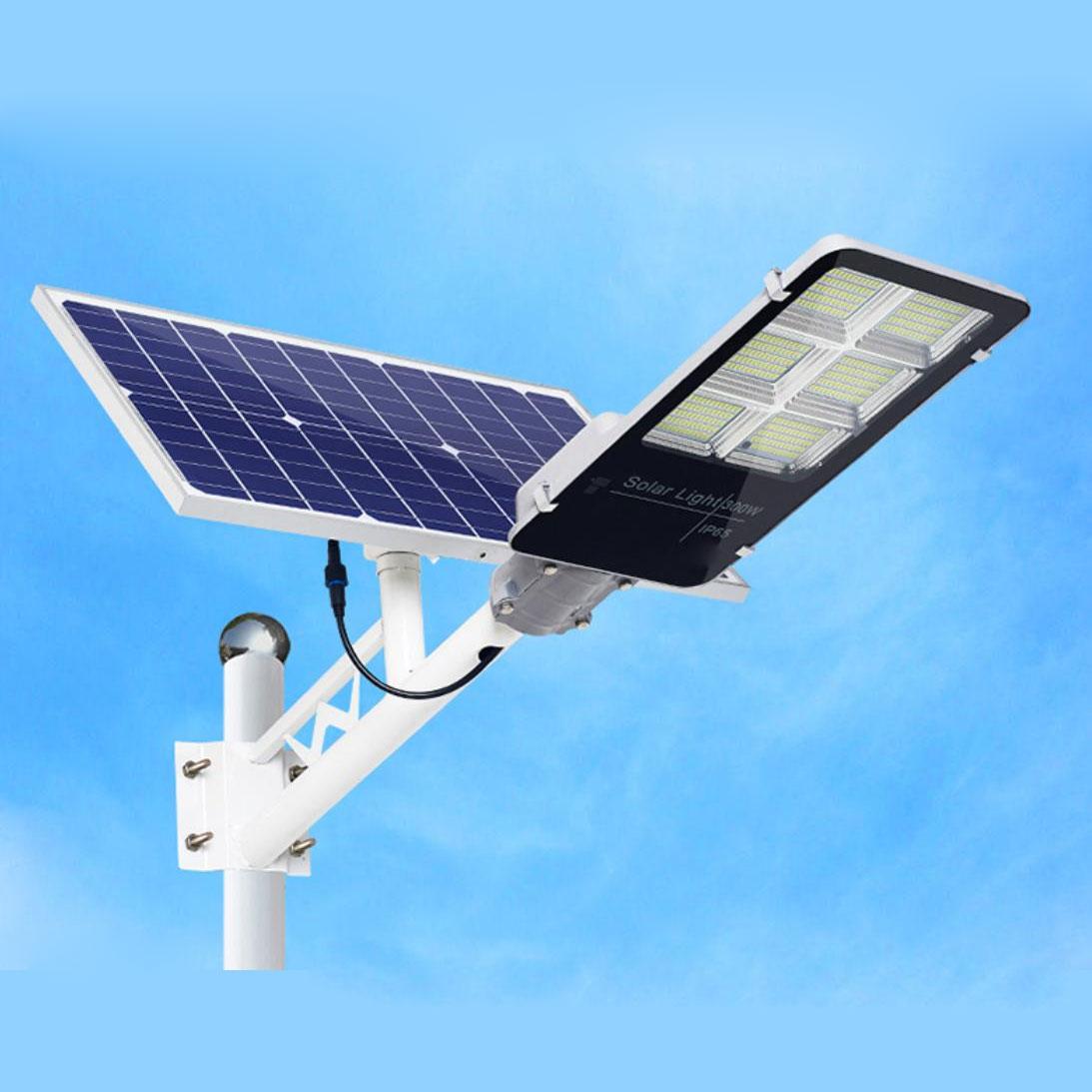 Đèn đường năng lượng mặt trời 78300DDPR