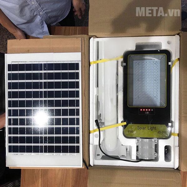 Đèn đường năng lượng mặt trời 70W VC-399 có tuổi thọ lên đến 10 năm