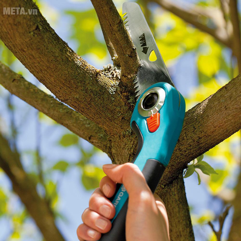 Cưa gỗ cầm tay