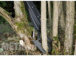 Kéo cắt cành khỏe, có khả năng cắt những cành cây lớn