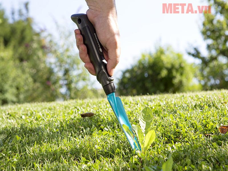 Xẻng giẫy cỏ Gardena