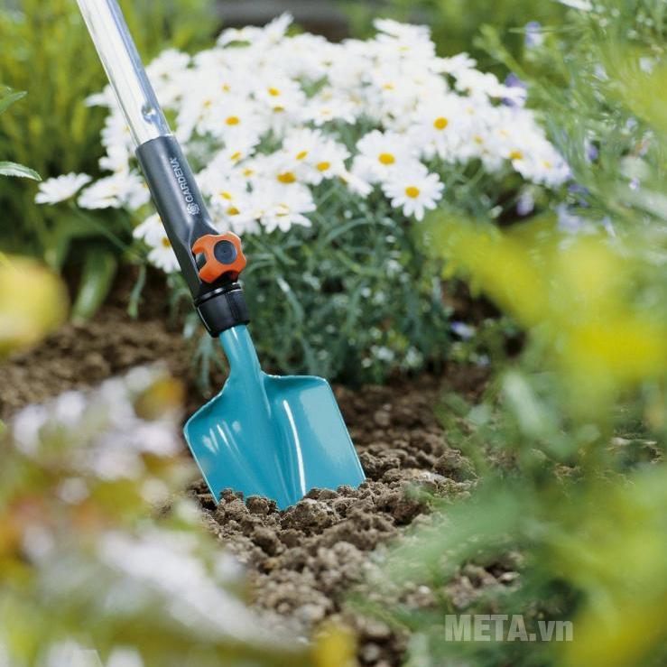Xẻng làm vườn