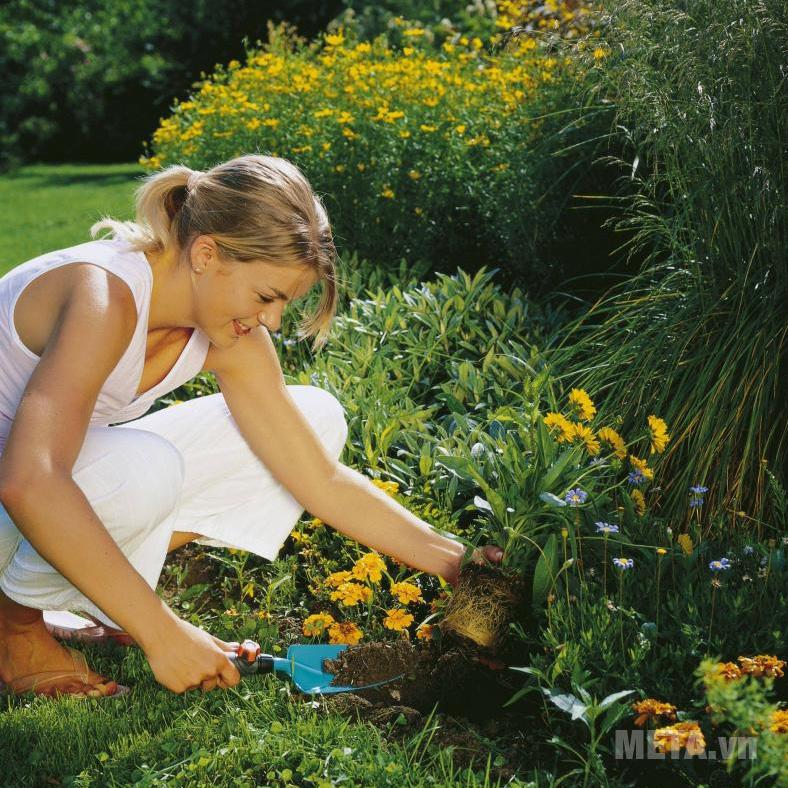 Xẻng trồng cây Gardena