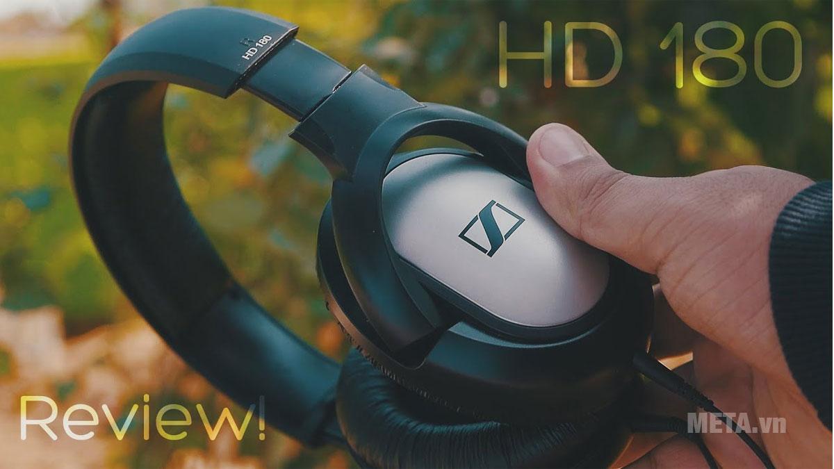 Tai nghe Sennheiser HD 180 có khối lượng cực nhẹ phù hợp cho việc di chuyển