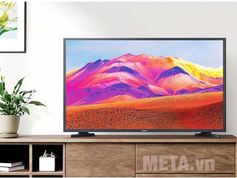 Smart Tivi Samsung HD 32 inch UA32T4300AKXXV sang trọng khi đặt trong phòng khách