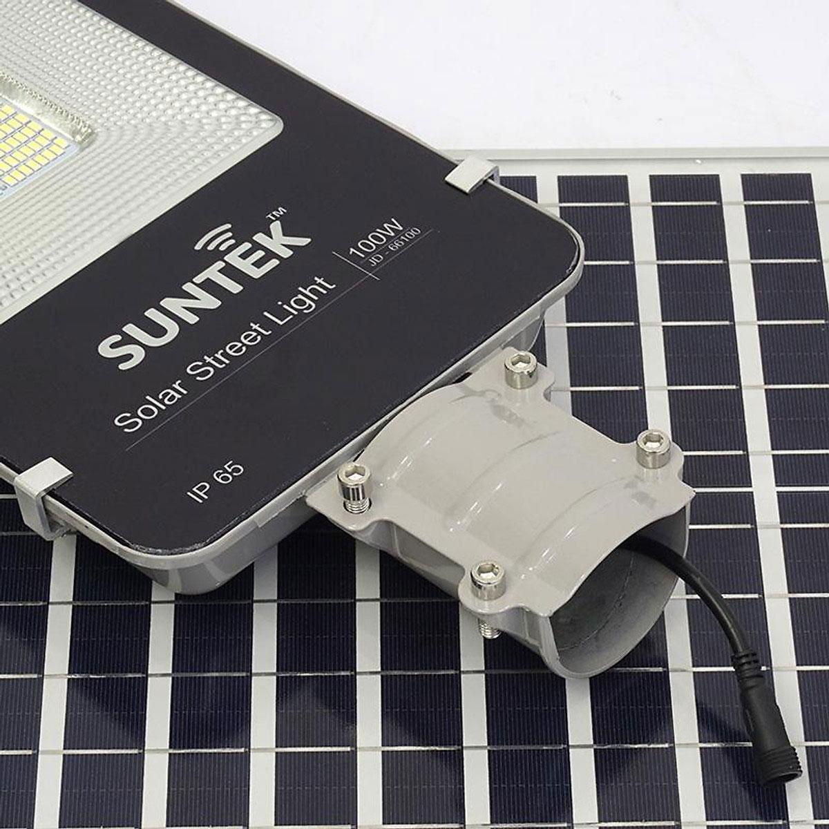 Đèn đường Suntek JD-66100 sử dụng năng lượng mặt trời