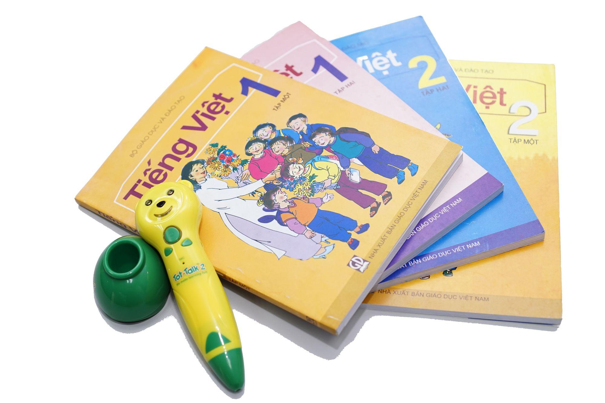 Bút nói thông minh Tot-Talk 2 cùng trẻ tập đọc tiếng Việt tại nhà