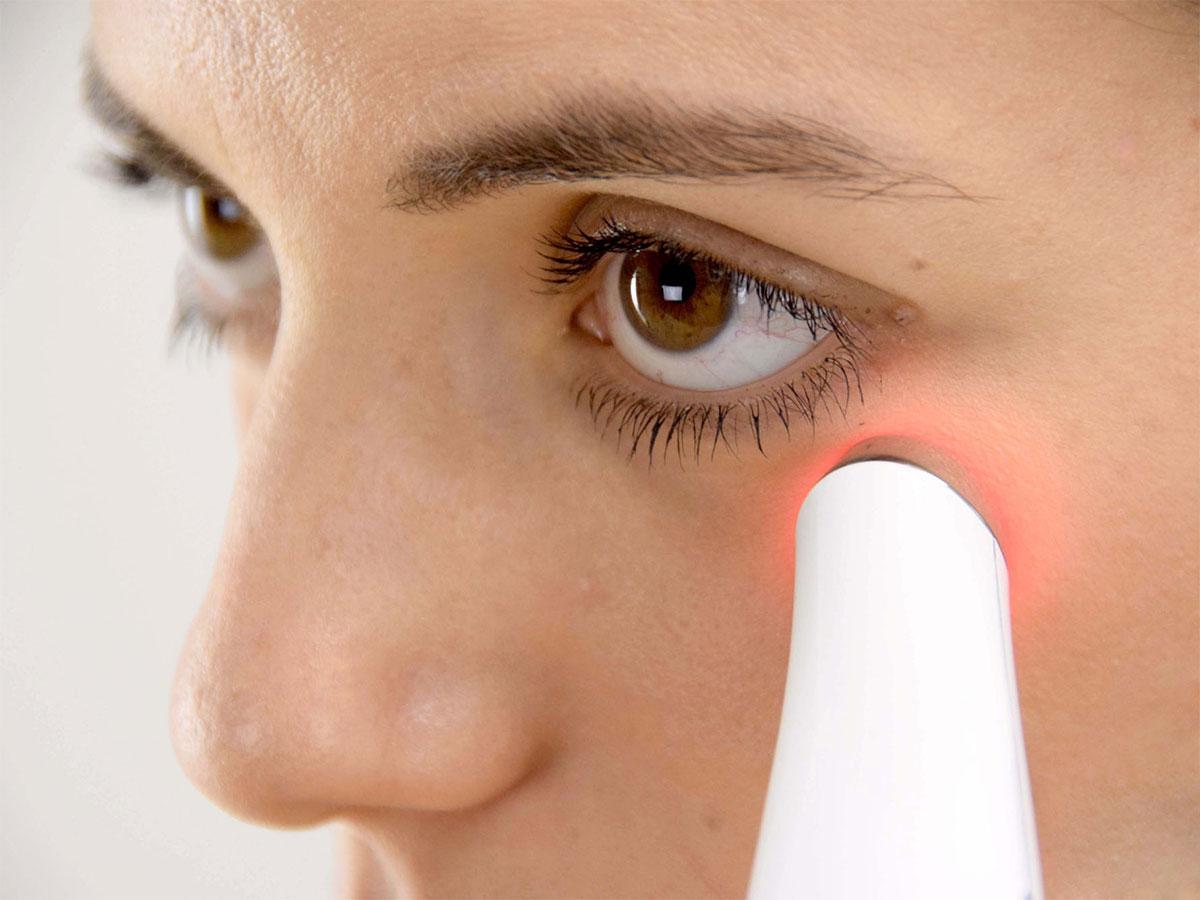 Máy massage mắt HoMedics EYE-200 giúp chống lão hóa