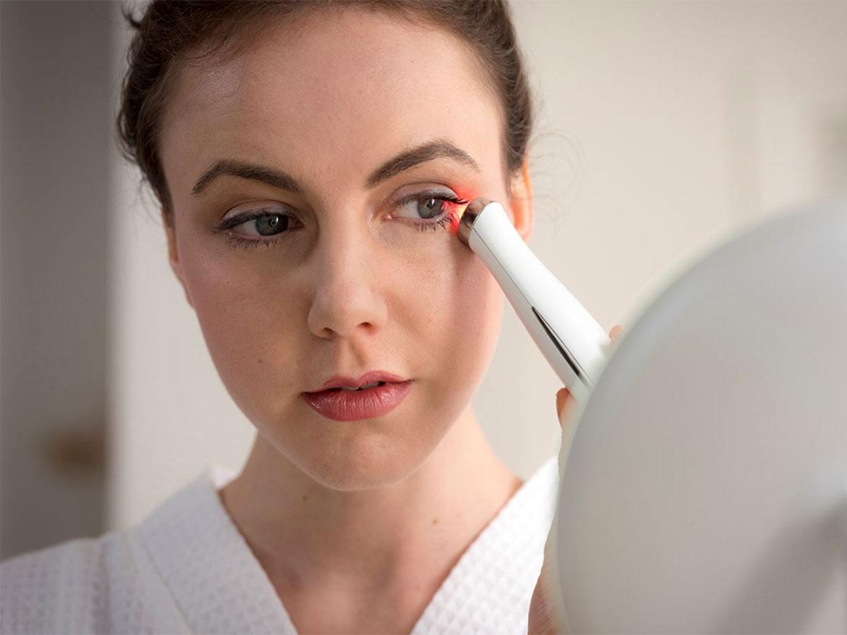 Máy massage mắt HoMedics EYE-200 dễ dàng sử dụng