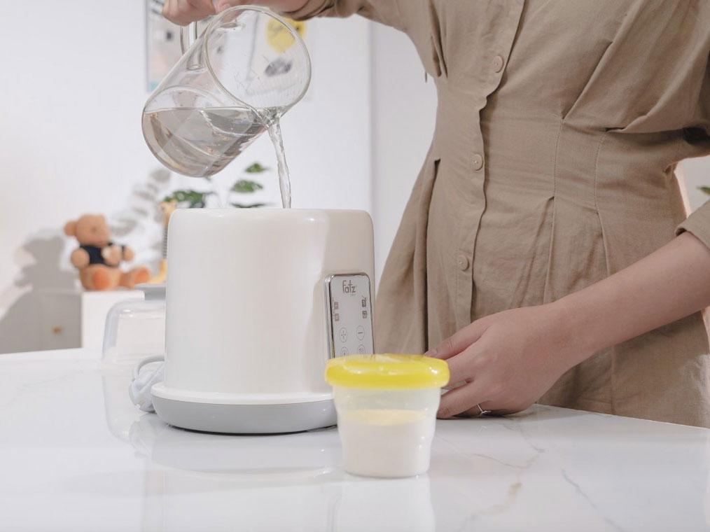 Máy hâm sữa tiệt trùng Duo2 FB3223SL giúp mẹ tiết kiệm thời gian