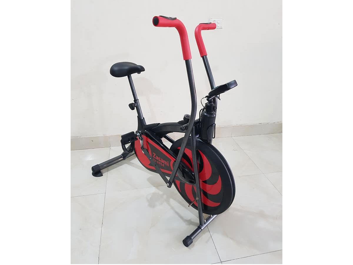 Xe đạp tập thể dục gia đình