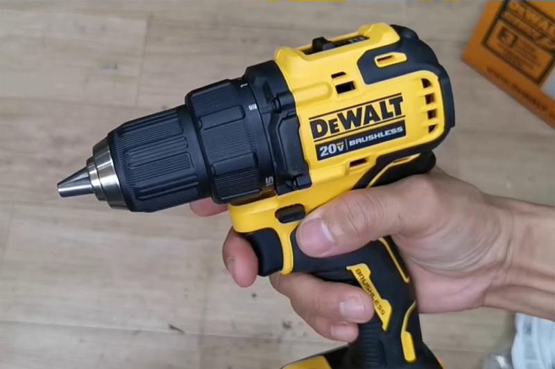 Thân máy khoan vặn vít dùng pin DeWalt