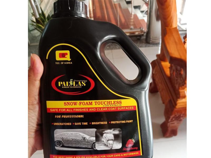 Nước rửa xe không chạm Pallas